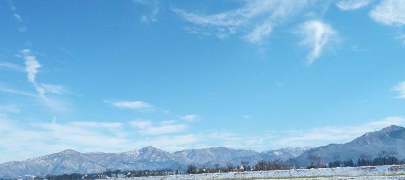 雪化粧の越後三山